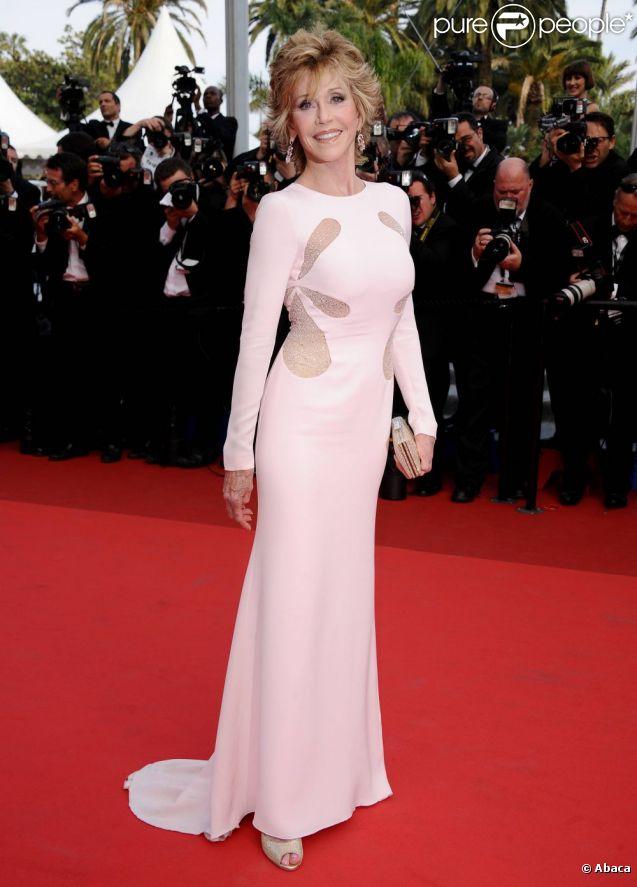Jane Fonda était absolument radieuse dans sa robe Emilio Pucci le 12 mai dernier sur le tapis rouge de Cannes.