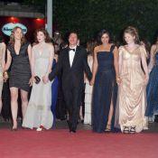 Cannes 2011 : Hafsia Herzi, sa robe fendue, et ses copines sur les marches !
