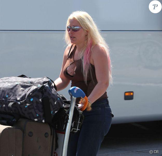 Loana, à son retour de Miami, après le tournage des Anges de la Télé-Réalité saison 2, à Paris, le 9 mai 2011.