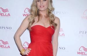 Rebecca Romijn : La blonde est toujours aussi sexy et capillairement au top !