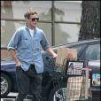 Joaquin Phoenix fait ses courses à Los Angeles le 13 mai 2011