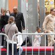 Brad Pitt et Angelina Jolie le 22 mai avec leurs enfants. Les jumeaux n'étaient pas de la fête !