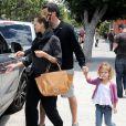 Jessica Alba promène sa tribu ! Los Angeles, 29 mai 2011