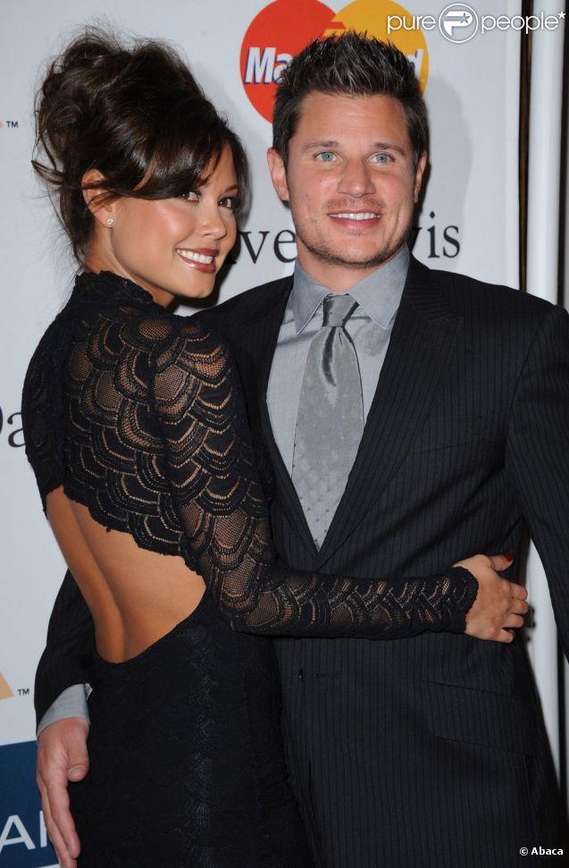 Nick Lachey et Vanessa Minnillo arrivent à la soirée des Pre-GRAMMY au Beverly Hilton Hotel à Los Angeles en février 2011