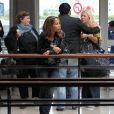 Loana rentre à Paris le 16 mai 2011 et retrouve Eryl Prayer son ex, à l'aéroport de Roissy