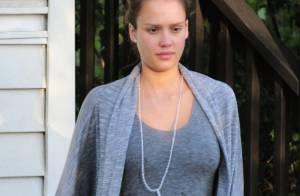 Jessica Alba : Petite mine et look pas top, la grossesse l'épuise t-elle ?