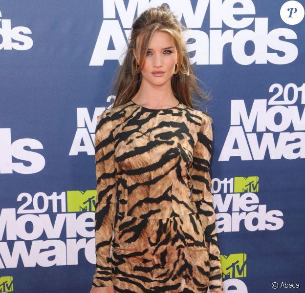 Rosie Huntington-Whiteley aux MTV Movies Awards à Los Angeles, 5 juin 2011