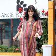 Selma Blair toujours très enceinte dans une tenue ethnique le 9 juin 2011 à Los Angeles