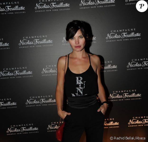 Delphine Chanéac lors du 35e anniversaire des champagnes Nicolas Feuillate à la maison de l'architecture le 9 juin 2011