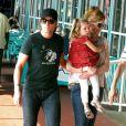 Nicole Kidman se balade avec sa fille Sunday Rose, 3 ans en juillet, et son mari le chanteur de country Keith Urban à New York, 29 mai 2011