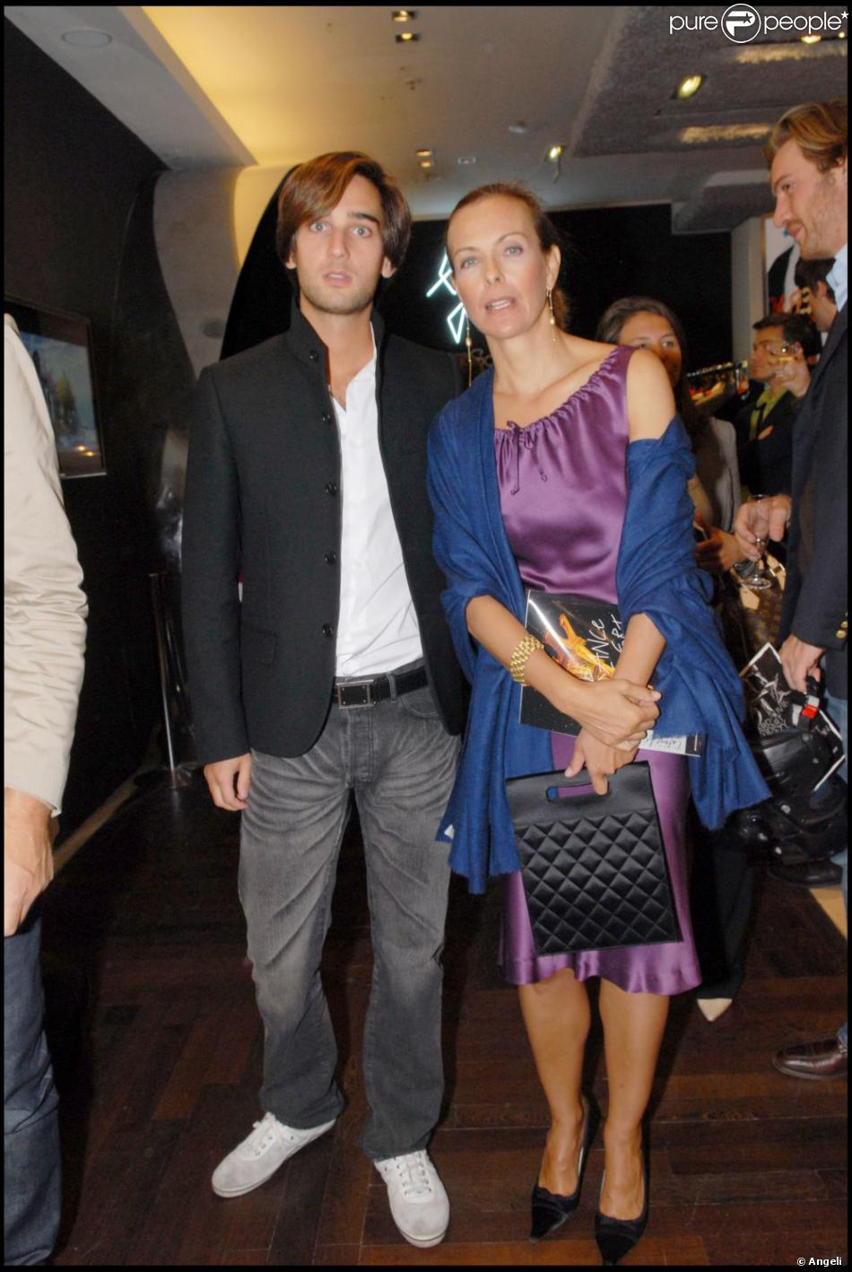 carole bouquet et son fils dimitri rassam en septembre 2007 purepeople. Black Bedroom Furniture Sets. Home Design Ideas