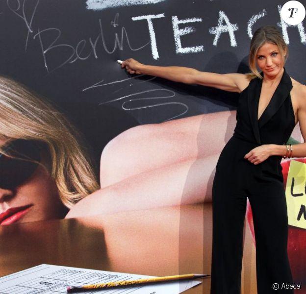 Cameron Diaz opte pour le total look noir avec une combinaison chic et sexy à Berlin pour promo de son dernier film Bad Teacher. Le 17 juin 2011