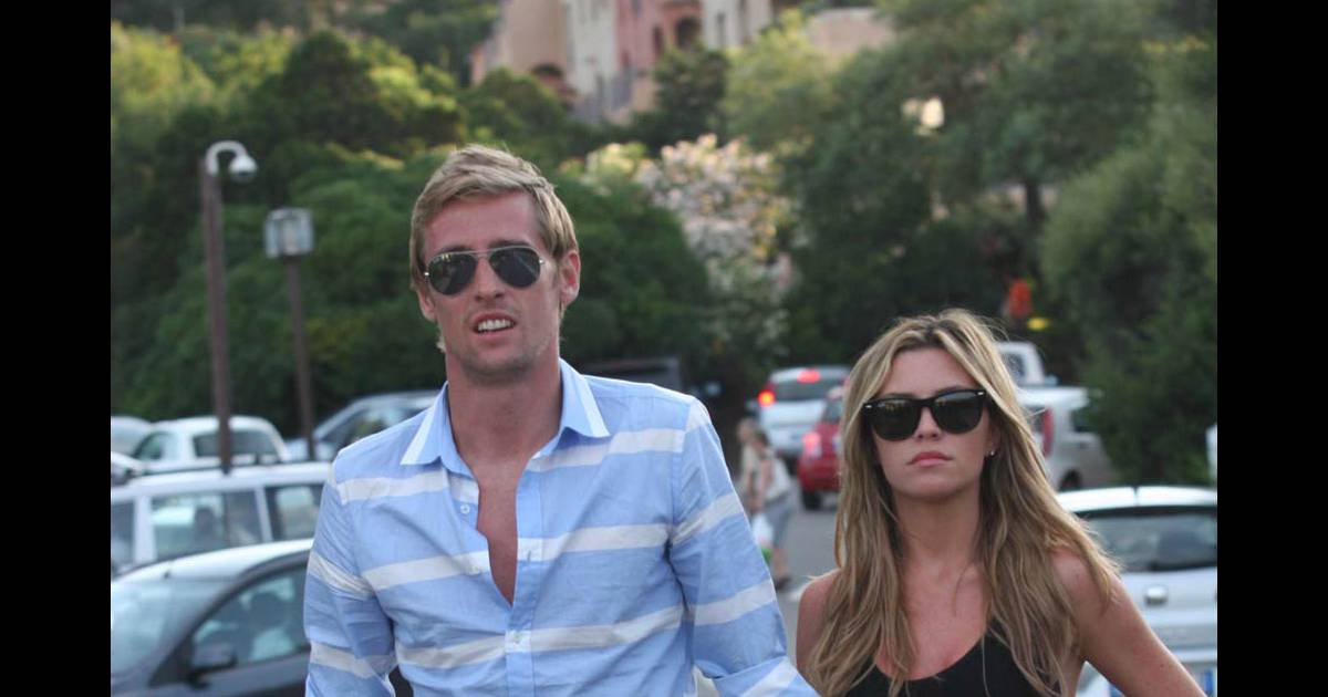 Peter crouch pousera enfin abbey clancy le 30 juin for Clancy motors used cars