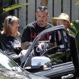 Pink, sa maman Judy Moore, son mari et leur petite Willow au restaurant à Malibu le 23 juin ( photos exclusives)