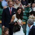 Le prince William et Kate Middleton ont accordé une standing ovation à l'Ecossais Andy Murray, vainqueur en trois sets de Richard Gasquet à Wimbledon le 27 juin 2011.