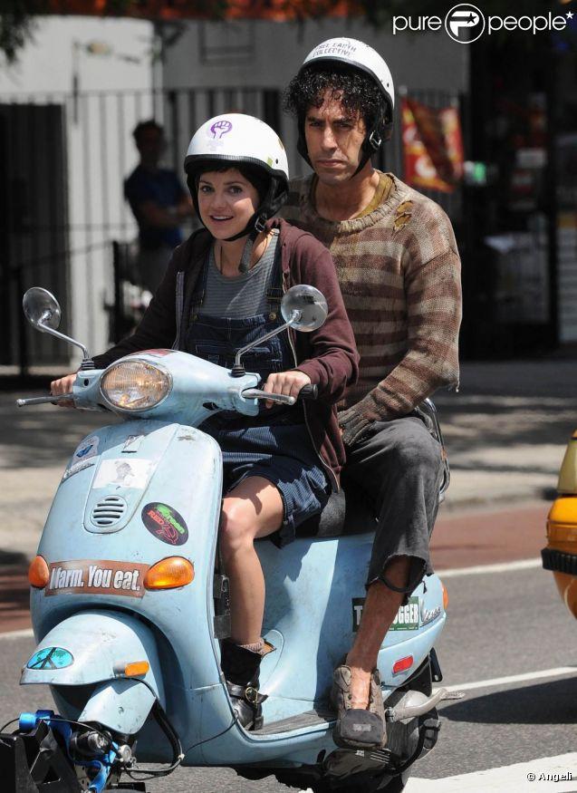 Sacha Baron Cohen et Anna Faris lors du tournage de  The Dictator , à Manhattan, le 27 juin 2011.