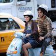 Sacha Baron Cohen se fait piloter par Anna Faris lors du tournage de  The Dictator , à Manhattan, le 27 juin 2011.