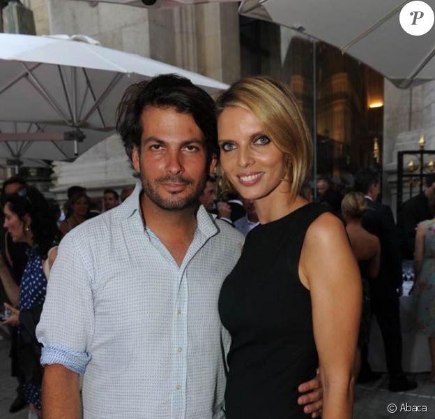 Sylvie Tellier et son époux Camille à l'inauguration du restaurant du Palais Garnier, à Paris, le 27 juin 2011.