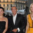 Jean-Claude Jitrois et Sarah Marshall à l'inauguration du restaurant du Palais Garnier, à Paris, le 27 juin 2011.