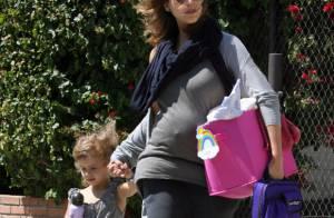 Jessica Alba : De plus en plus ronde, elle se laisse aller côté look