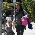 Jessica Alba dans les rues de Los Angeles, le 30 juin 2011, avec son adorable fille Honor.