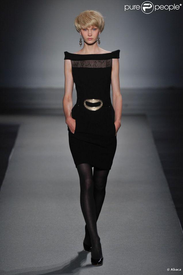 Défilé haute couture automne-hiver 2011-2012 de Christophe Josse pendant la Fashion Week parisienne le 4 juillet 2011