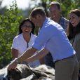 Le duc et la duchesse de Cambridge, au sixième jour de leur visite officielle au Canada, étaient le 5 juillet 2011 dans la province des Territoires du Nord-Ouest. De Yellowknife, ils ont décollé pour le lac Blachford, où ils ont pu s'immiscer dans la vie tribale des Aborigènes puis savourer quelques heures d'intimité sur Eagle Island.