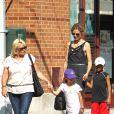 Heidi Klum est une maman toujours au top qui ne râte pas une occasion de passer un moment avec Leni, Henri, Johan et Lou. New York, 6 juillet 2011