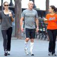 Heidi Klum s'offre une séance de sport dans la joie et la bonne humeur avec son coach préféré ! New York, 6 juillet 2011
