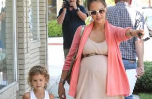 Jessica Alba : Lookée, elle prépare l'arrivée de bébé avec sa fille Honor