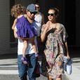 Jessica Alba et sa jolie famille dans les rues de Los Angeles