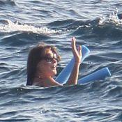 Carla Bruni-Sarkozy : La future maman a la frite, dans l'eau avec son Nicolas !
