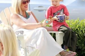Tori Spelling : Enceinte et resplendissante pour une sortie en famille glacée !