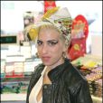 Amy Winehouse blonde, à Londres en janvier 2008