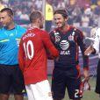 Pas de miracle pour la sélection des All-Stars de la MLS : David Beckham, Thierry Henry et leurs coéquipiers ont été écrasés par les stars de Manchester United, en tournée de préparation aux Etats-Unis. Mais la bonne humeur était de mise, Becks retrouvant des copains de unted ainsi que Sir Alex Ferguson.