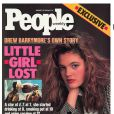 Janvier 1989 : Drew Barrymore a seulement 14 ans, et déjà une longue histoire derrière elle, qu'elle racontait dans son autobiographie  Little Lost Girl .  People Weekly , 16 janvier 1989.