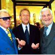 Michou, Bertrand Delanoë et Jean-Claude Brialy, à Paris, le 8 juin 2001.