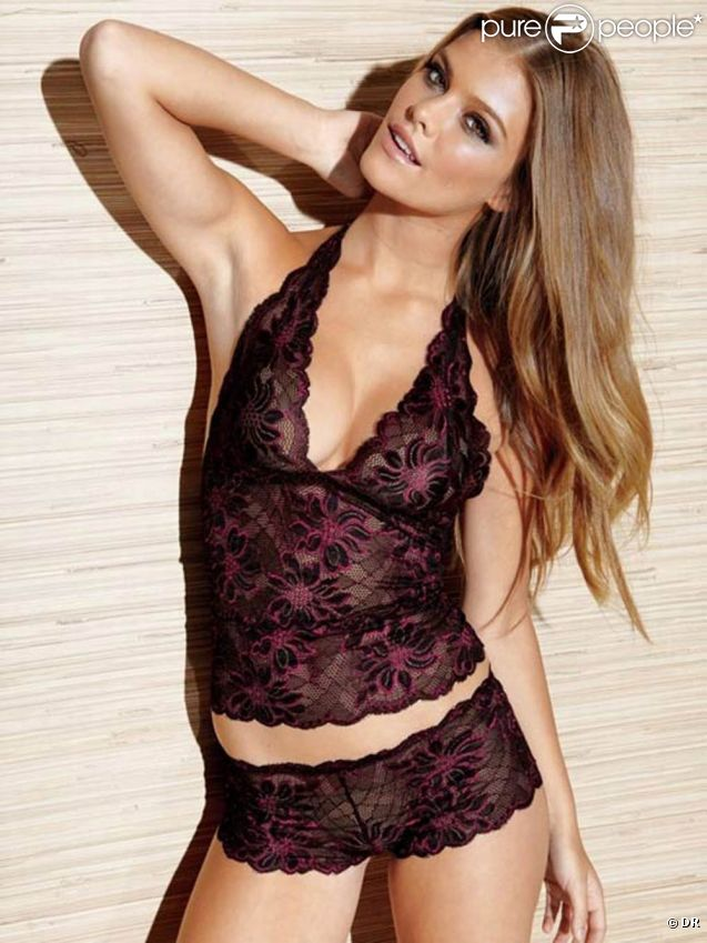 Le mannequin danois Nina Agdal pour Fredericks of Hollywood, 2011.
