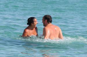 F.-Xavier Demaison et son Emmanuelle font le plein de câlins à Saint-Tropez