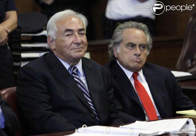 Dominique Strauss-Kahn dans la salle d'audience du tribunal de New York ce 23 août qui l'a vu être libéré de toutes charges... mais pas innocenté.