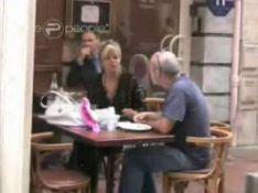 VIDEO EXCLUSIVE : Lily Allen déjeune sous...haute surveillance  !