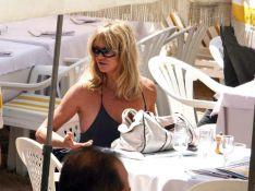 PHOTOS: A Cannes, les people profitent d'un rayon de soleil...