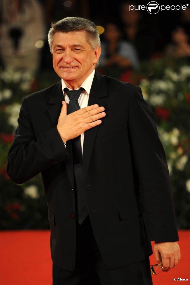 L'équipe du film Faust, d'Alexandre Sokourov, avec Johannes Zeiler et Anton Adasinskiy, lors de la 68e Mostra de Venise. Le 10 septembre 2011, Faust a reçu le Lion d'or de la biennale.