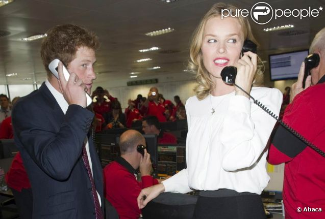Principe Harry de Gales - Página 2 696693-le-prince-harry-et-eva-herzigova-637x0-2