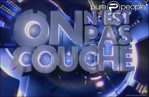On n'est pas couché  est diffusé tous les samedis soirs en seconde partie de soirée sur France 2.
