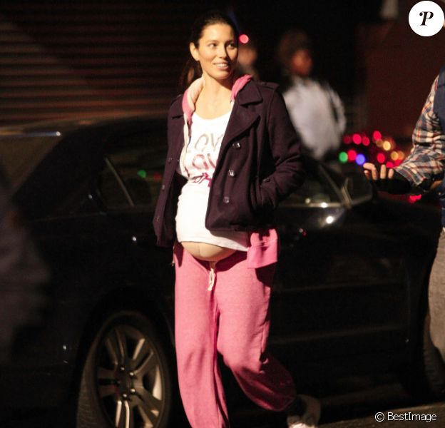 Jessica Biel sur le tournage de Happy New Year à New York le 19 septembre 2011
