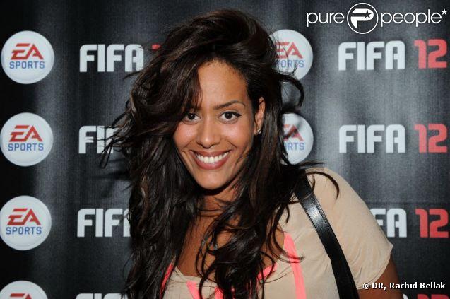 Amel Bent à la soirée de lancement de FIFA 12 au VIP ROOM à Paris le 19 septembre 2011