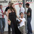 Angelina Jolie et son fils aîné Maddox, à Brignoles, le 29 septembre 2009.