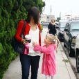 Jennifer Garner accompagne sa fille Violet à son cours de danse. La petite porte des chaussures de foot ! Le 24/09/2011 à Los Angeles.