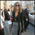 Carine Roitfeld à son arrivée au show de Nicolas Ghesquière pour Balenciaga. Fashion Week PAP Printemps/été 2012. Paris, le 29 septembre 2011